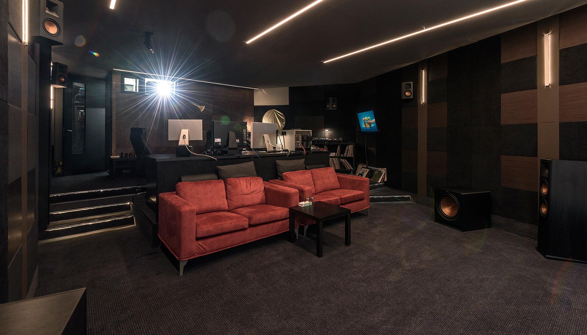 BudapestColorClub Room
